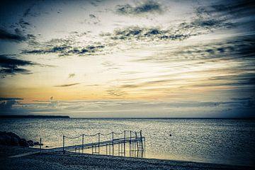 Steiger bij zonsopkomst van Tony Buijse