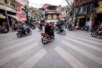 Verkeer in Hanoi Vietnam van Sebastiaan Hamming