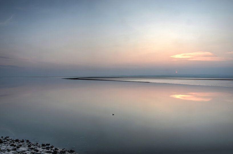 Zonsondergang boven het wad bij Morecambe van Frans Blok