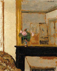Vaas met bloemen op een schoorsteenmantel, Edouard Vuillard