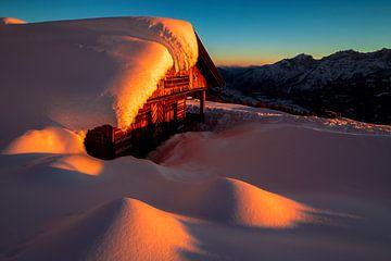 Hütte im Schnee auf dem Zettersfeld - Osttirol - Österreich