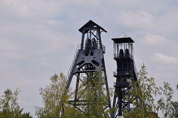 oude mijnliften van Bois du Cazier in Charleroi van Robin Verhoef