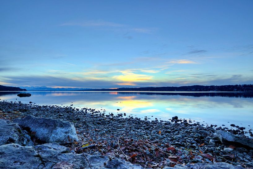 Blaue Stunde am Starnberger See von Roith Fotografie