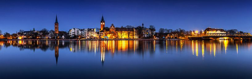 Berlin - Panorama de la vieille ville de Köpenick à l'heure bleue sur Frank Herrmann