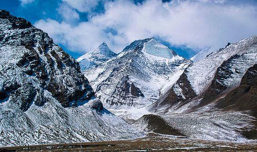 Besneeuwde bergen in de Himalaya, Tibet