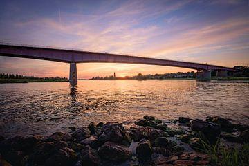 Pont du Rhin avec vue sur Rhenen sur Max ter Burg