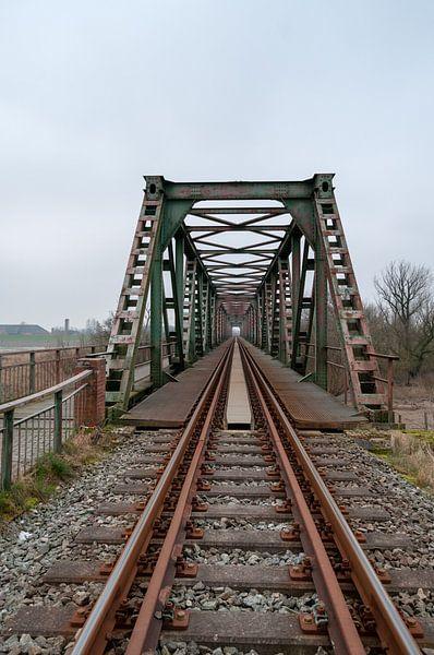 Oude roestige spoorbaan Weener Duitsland. van Anjo ten Kate