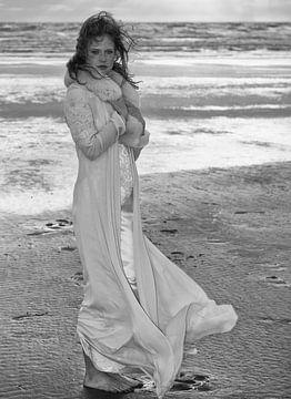 Bruid op het strand van Edwin Walstra