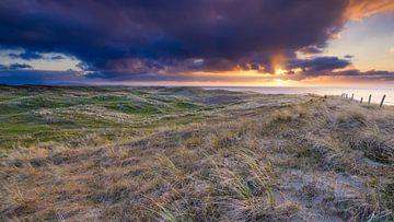 Sonnenuntergang über der Dünenlandschaft von eric van der eijk