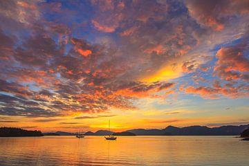 zonsopkomst lankawi maleisie van Ronald Derksen