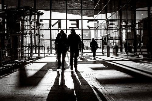 Zwart-wit Centraal Station Rotterdam von Marco Bollaart
