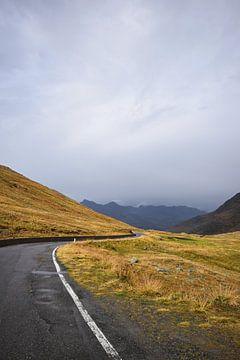 Straße durch die Dolomiten von Heiko Obermair