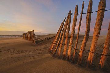 Zandscherm bij Zonsondergang Strand van Dirk van Egmond