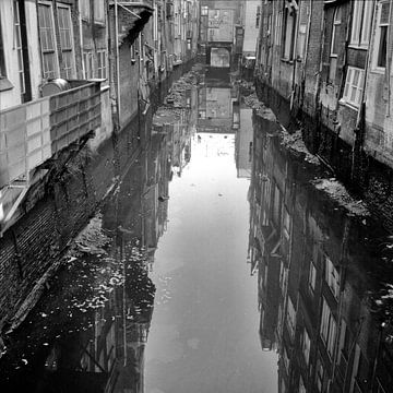 Voorstraathaven laag water van