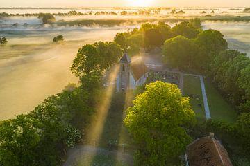 Kerk van Dorkwerd in de Mist van Droninger