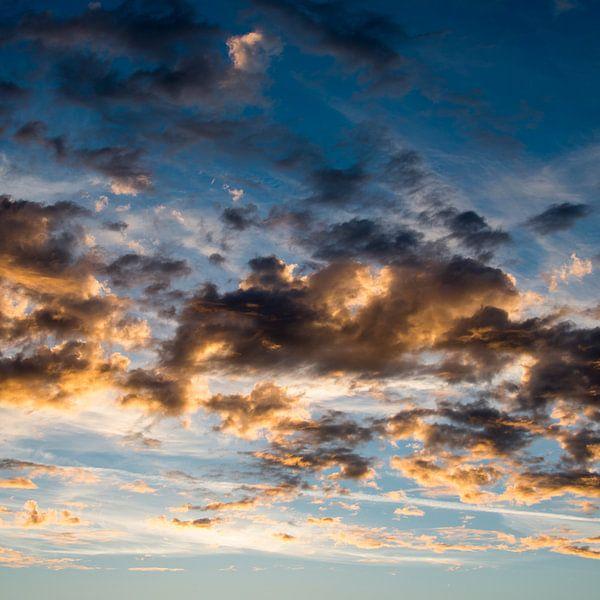 Geloof/ Achter de wolken ...... van Coby Zwartbol
