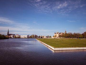Stadtpark von Schwerin in Mecklenburg-Vorpommern von Animaflora PicsStock