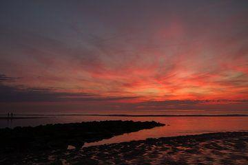 Zonsondergang buitenwatering Katwijk aan Zee von Menno van Duijn