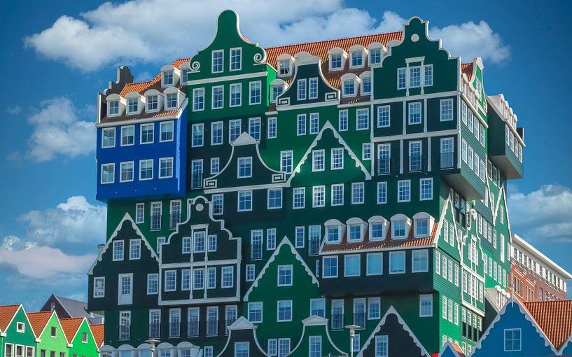 Moderne architectuur gebaseerd op oude cultuur, Zaandam, Nederland van Rietje Bulthuis