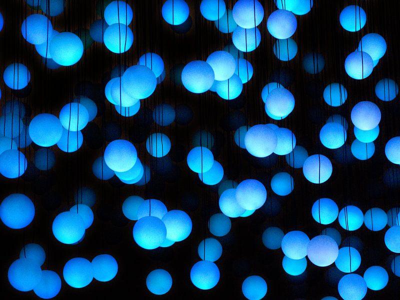 Lightbulbs van Hennnie Keeris