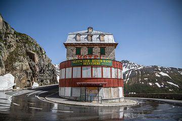 Hôtel James Bond abandonné dans les Alpes suisses, Hôtel Belvedere sur Sasja van der Grinten