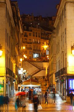Blick vom Rossio ins Altstadtviertel Chiado, Lissabon