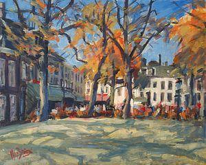 La place OLV dans la chaude lumière d'automne avec ses terrasses