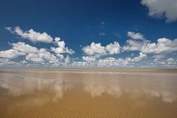 Onze prachtige kust met Hollandse lucht van Eddy 't Jong