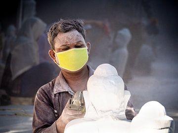 De Birmese beeldhouwer van Boeddha van Rik Pijnenburg