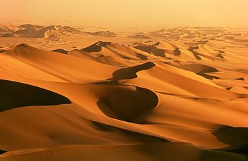 Sanddünen in der Wüste Sahara von Frans Lemmens