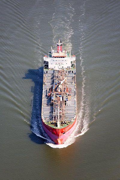 Luchtfoto tanker van Anton de Zeeuw