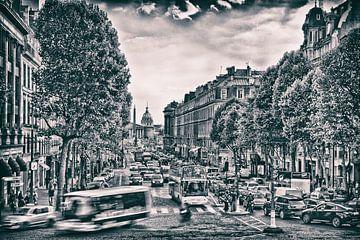 Schwarz-Weiß-Druck von einer stark befahrenen Straße in Paris von
