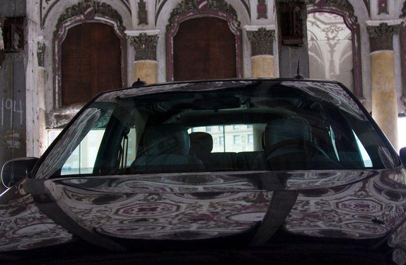 Parking in het Michigan Theater in Detroit van Alex Sievers
