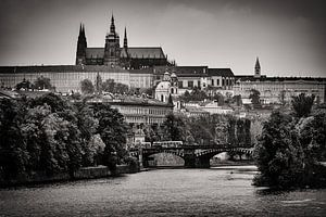 Praag - Skyline / St. Vitus Kathedraal van Alexander Voss