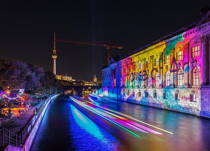 Le ciel de Berlin avec le Spree et le Bodemuseum sur Frank Herrmann