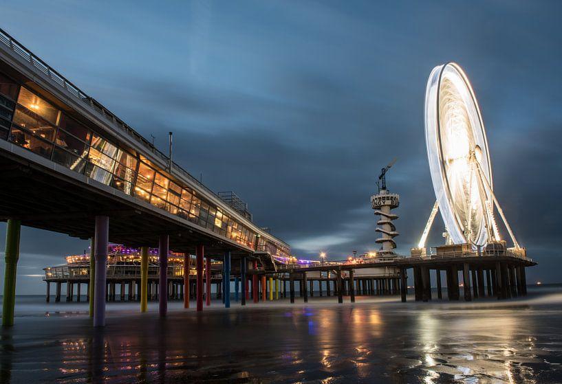 De Pier in Scheveningen #3 van Herwin Wielink