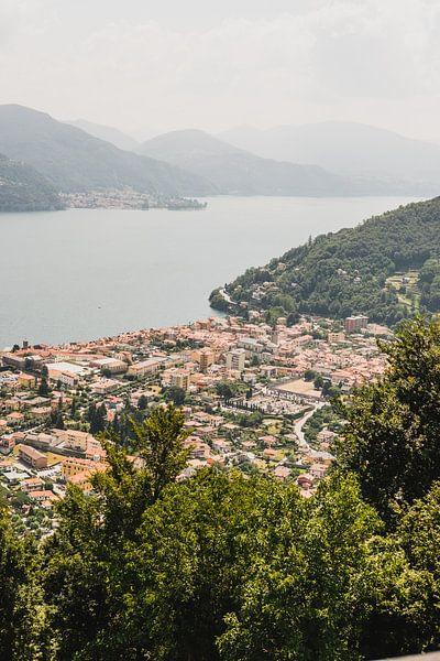Italiaans uitzicht Lago Maggiore Cannobio van W Machiels
