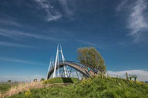 De Slachtetille brug in Noord Friesland over de snelweg Leeuwarden - Harlingen