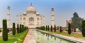 Panorama van het historische Taj Mahal monument in Agra, India van Marc Venema