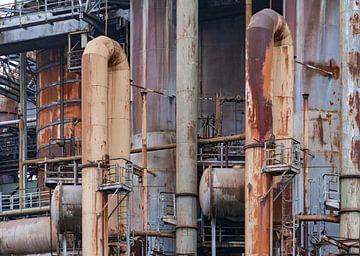 Rostige Komponenten einer Eisenhütte von Achim Prill