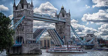 Towerbridge Londen van Michel van der Vegt