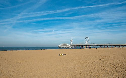 Strand en pier van Scheveningen