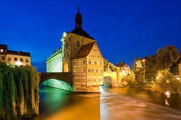 Oud stadhuis in Bamberg bij nacht van Werner Dieterich