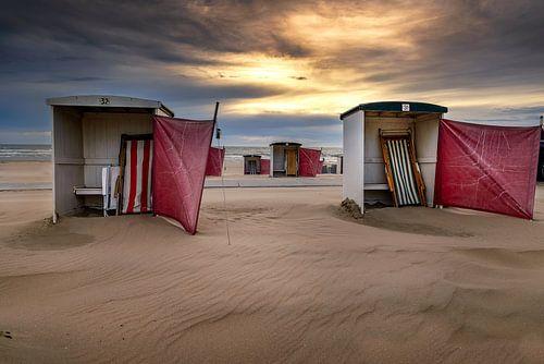 Leeg strand van Machiel Koolhaas