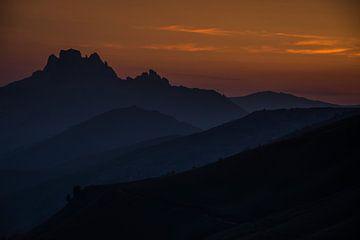 Silhouetten in de Italiaanse Dolomieten van