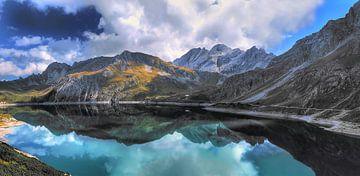 Lunersee in Oostenrijk in Brandnertal Vorarlberg van Karin vd Waal