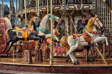Antikes Karussell mit Pferden von Iris Heuer