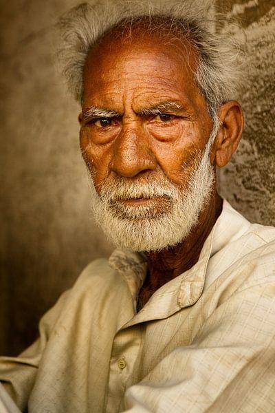 portret van een man in India van Paul Piebinga