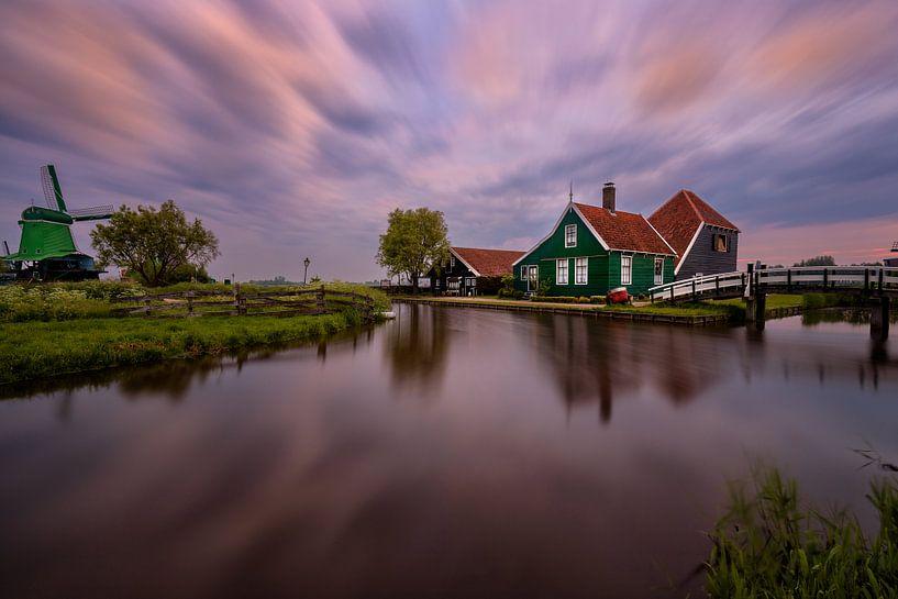 A beautiful morning by the Zaanse Schans van Costas Ganasos