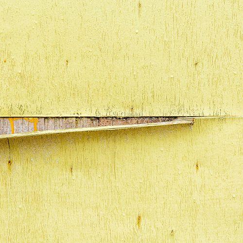 Strandhuis abstract in geel van Texel eXperience